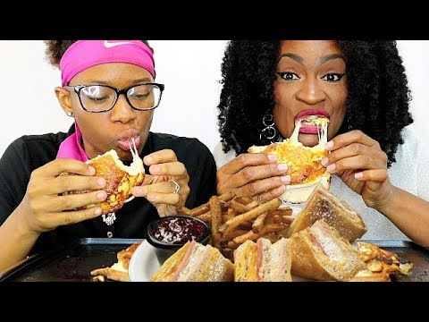 OMG I CAN'T BELIEVE HOW GOOD THIS IS!! MUKBANG!