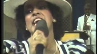 Gambar cover MILLY, JOCELYN, Y LOS VECINOS (video 80's) - Tengo