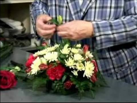 How To Make Flower Arrangements how to make a table flower arrangement : tips for making table