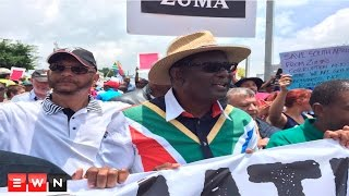 Vavi calls for early elections to oust Zuma