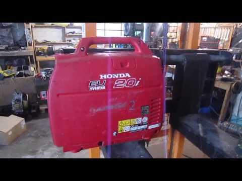 В сервисе инверторный генератор Honda I20, редкий случай, когда это поломка, а не ТО