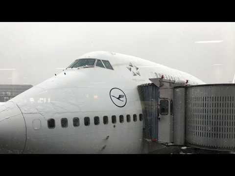 Flight FRA - Tehran IKA 747-400 Lufthansa LH600 business class