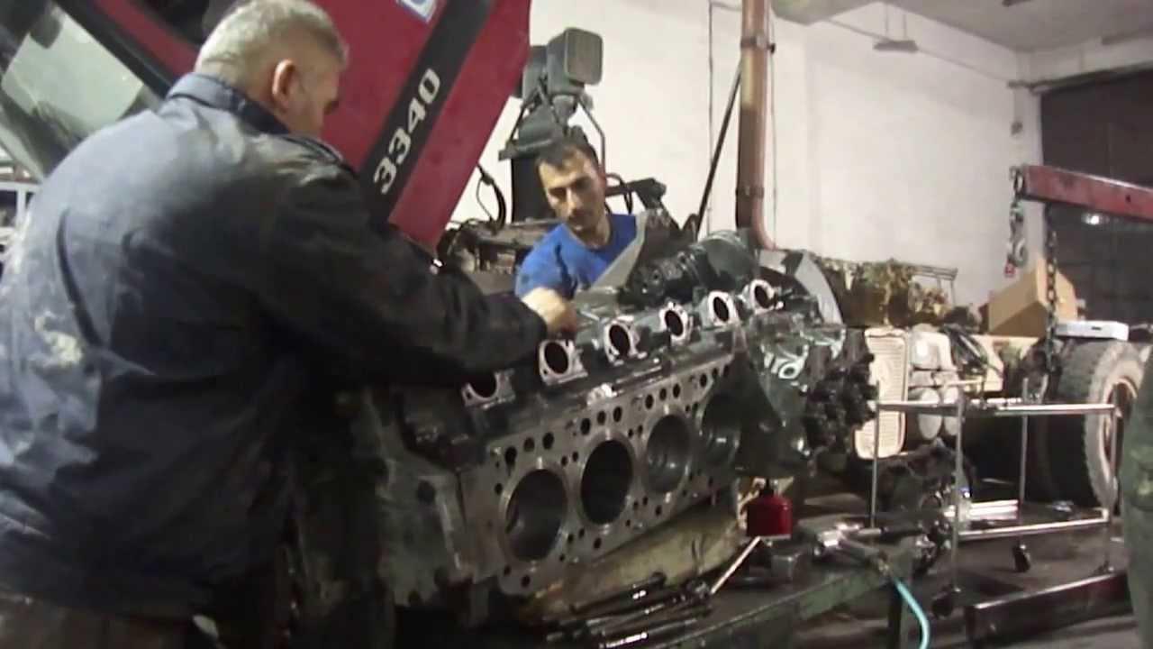 mercedes benz om 457 la euro 3 zylinderkopf montage youtube rh youtube com XTM Racing Engine 1972 SS Engine