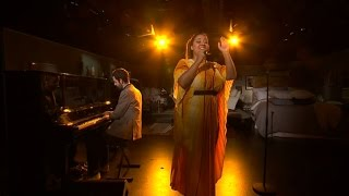 Kristin Amparo - I see you (Live) - Malou Efter tio (TV4)
