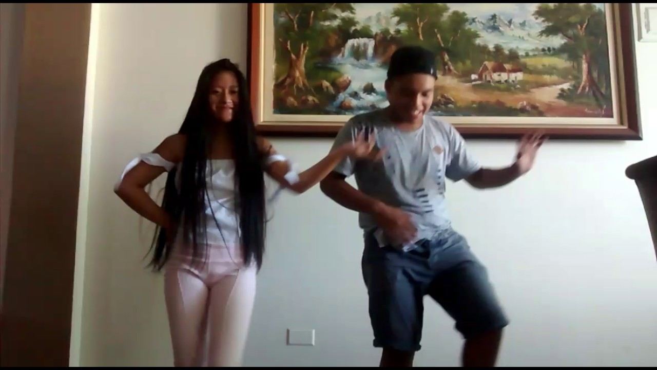 Bailando 💃 con. Mi hermana - YouTube
