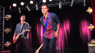¨Euforia¨ en inglés  | Momento Musical | Violetta