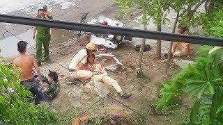 Video Truy đuổi xe máy, cảnh sát cùng nạn nhân nhập viện tại Thanh Hóa download MP3, 3GP, MP4, WEBM, AVI, FLV September 2018