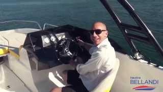BENETEAU Flyer 6 SportDeck - Test in acqua