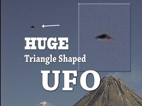 [Alien Observers] UFO Sightings Huge Triangle Shaped UFO Over Volcano 2015!