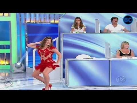 Livia Andrade de Vestido Vermelho Transpnte