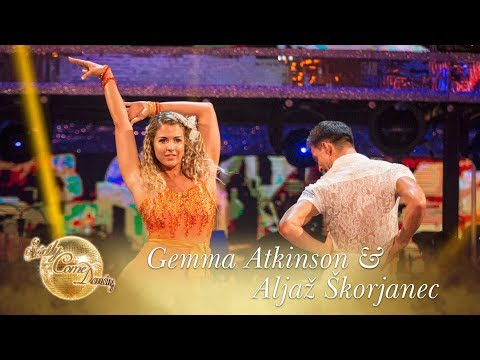 Gemma Atkinson and Aljaž Skorjanec Cha Cha to 'There's Nothing Holding Me Back' - Strictly 2017