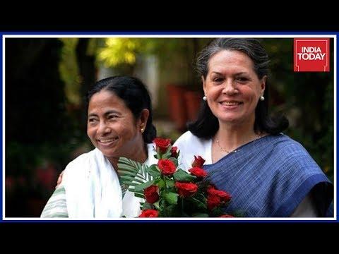 Mamata Banerjee Pushes For Anti Modi Front,  Meets Sonia Gandhi & Kejriwal In Delhi