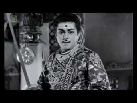 Kitturu Channamma Movie | Chennamma teaching her son to fight | Kannada Action scenes | M V Rajamma