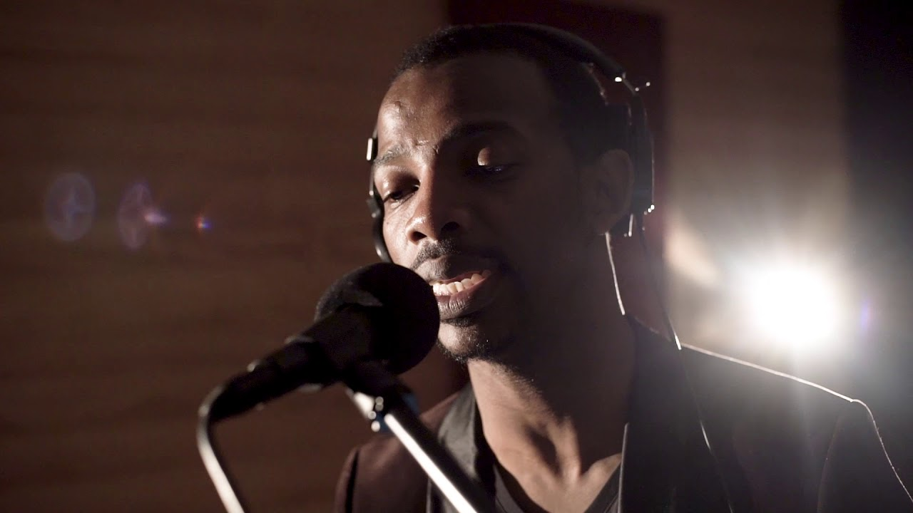 Zakes Bantwini - I Am Your King (Popsicle Studio Session)