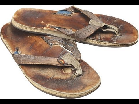 9ca8e4f9936d Product Review  Rainbow vs Sanuk Sandals - YouTube