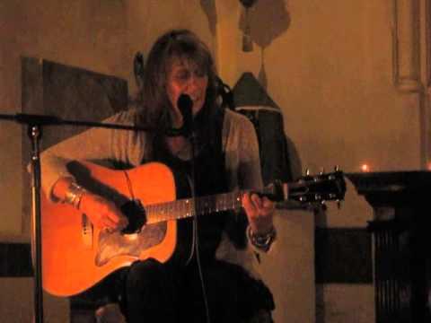 Vashti Bunyan - Diamond Day (Live @ St Pancras Old Church, London, 09/10/14)