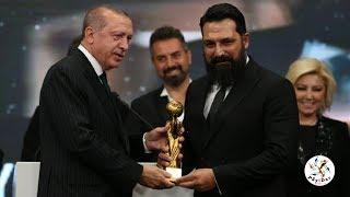 Radyo Televizyon Gazetecileri Derneği'nden Bülent İnal'a ödül! Ödülünü Başkan ERDOĞAN takdim etti.