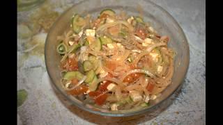 салат с фунчозой и грибами