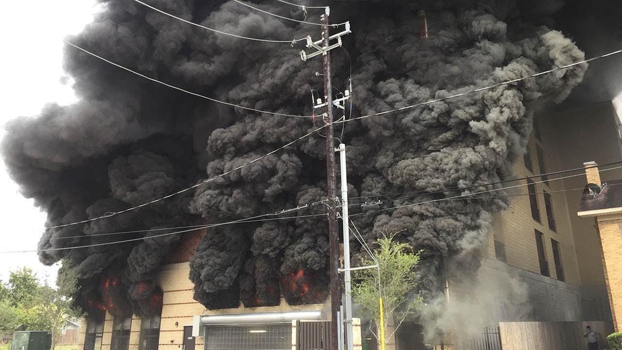 Houston Fire Department 1508 Blodgett Street, Apartment Fire - YouTube