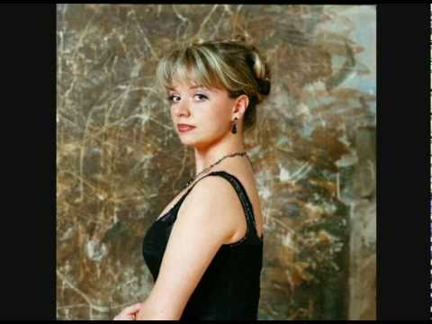 natalie dessay vocalises French soprano natalie dessay first rose to global prominence in 1990, winning first prize at the international mozart competition in vienna  and the lp vocalises .