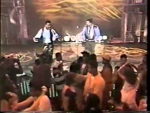 Soul Train 93' Performance - Wallace & Walter Scott (from The Whispers) - I Want To Know Your Name!