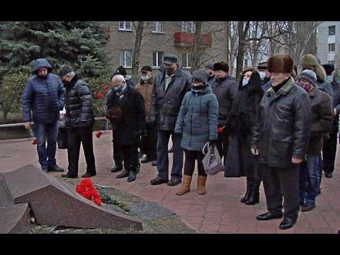 lgikvideo: Церемония возложения цветов к памятнику «Чернобыльский Аист»