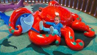 В поисках Немо Игра на детской площадке Finding Nemo Theme indoor playground Kids play game