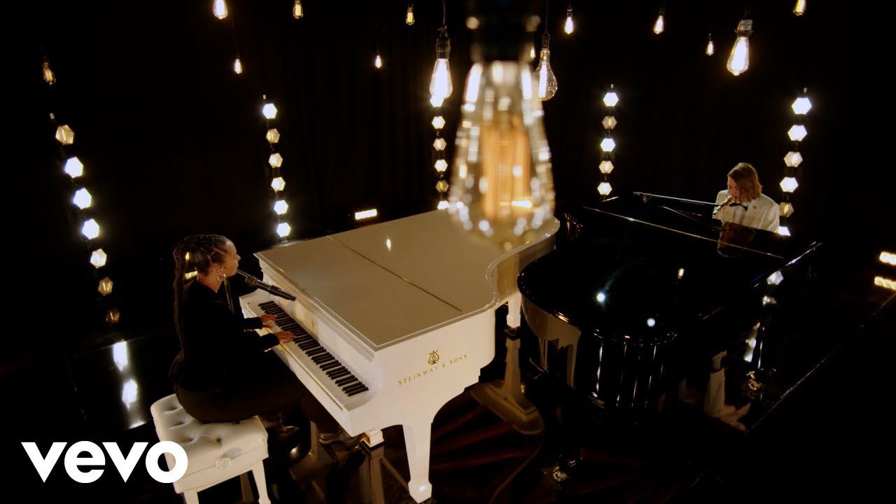 Arti Lirik dan Terjemahan Alicia Keys & Brandi Carlile - A Beautiful Noise