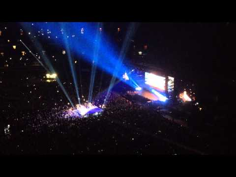 Halo/Forever Young - Beyonce ft Jay Z (On The Run tour - Toronto)