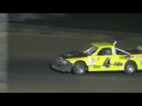 Pro Truck Feature Race at Crystal Motor Speedway, Michigan on 09-04-16.