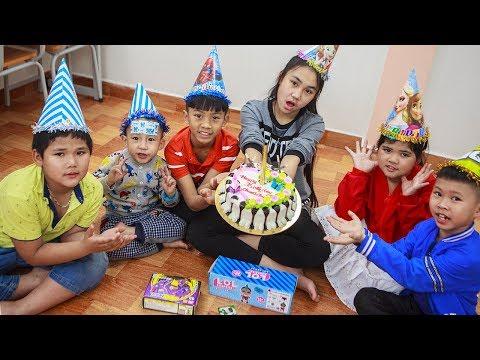 Kids Go To School | Best friend's birthday Chuns Buy a Birthday Cake Eat In Class