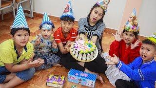 Kids Go To School   Best friend's birthday Chuns Buy a Birthday Cake Eat In Class
