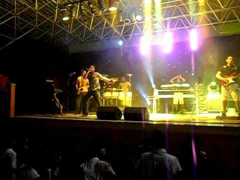 Renan Moreira em Botuporã na festa dos Estudantes - 12.08.11