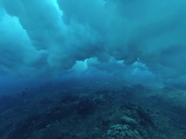 Namotu, sous les vagues