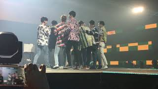 Video EXO - [FANCAM] lucky fans in music bank jakarta download MP3, 3GP, MP4, WEBM, AVI, FLV Desember 2017