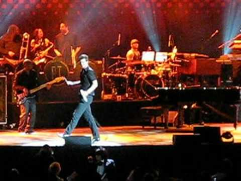 Robin Thicke - Sidestep - Live In NYC 04/10/09