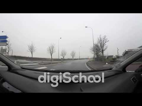 Carrefour à sens giratoire : règles de franchissement en 360° - Code de la route en 360 - digiSchool