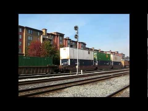 Emeryville 11-9-11, with CSX 4544, 7796, UP 7400, and Amtrak's museum train
