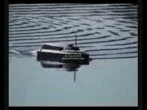 JABO-2B Remote Control Bait Boat (Fish Finder).flv