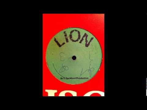Errol Holt Ft. Jah Woosh - Red Eye / Bond Ting