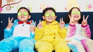 Phong, Ly And Su Play Game Finger Family Color Song | 동요와 아이 노래 | 어린이 교육  | Phong Ly Studio