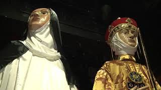 Elkészült IV. Béla és Szent Margit közel hat méter magas óriás bábja