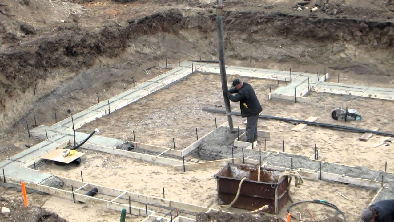 Custom Home Construction Pouring Concrete Footings Youtube