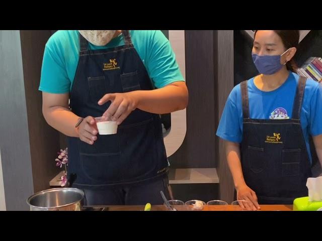 TK Park Banpru Present 🎞 กิจกรรมTK cooking  ตอน นามะช็อคโกแลต โอริโอ้พาย 🍮🍫 พี่ตู้กับพี่อร