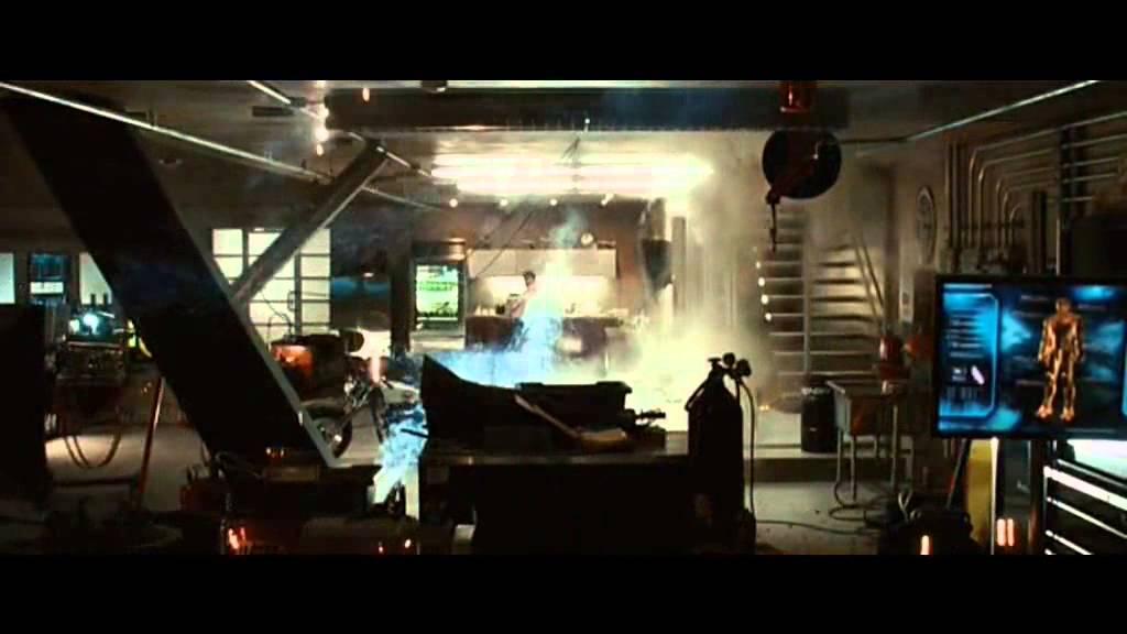 Il laboratorio di tony stark youtube for Laboratorio di garage domestico