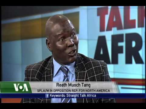 Guests discuss the South Sudan peace agreement