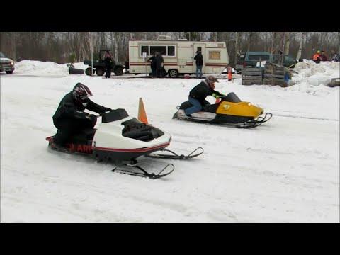 VINTAGE SNOWMOBILES RACING - SKI-DOO VS POLARIS | Just