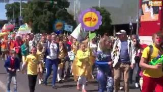 Праздничное шествие в честь Дня города Нарва(Традиционно День города Нарва открылся с праздничного шествия по Таллиннскому шоссе в Нарвский замок., 2016-06-04T13:26:53.000Z)