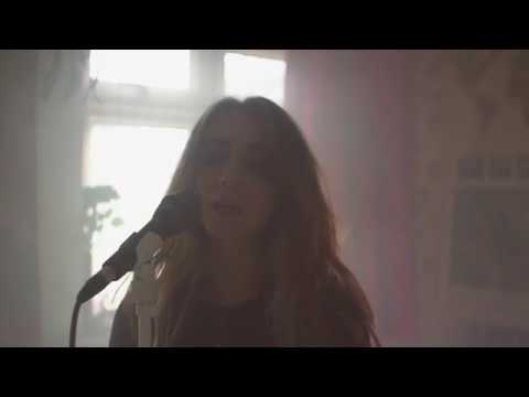 London Grammar - Oh Woman Oh Man Cover | Beccarr