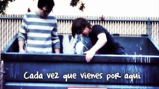 Heffron Drive - Quiet Please (traducida al español)